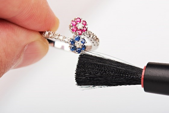 Jewelry Care - How to clean